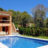 View information about Villa Pinzar Gotmar 4 bedrooms, check availability and book online