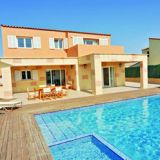 View information about Villa Serena 4 bedrooms, check availability and book online