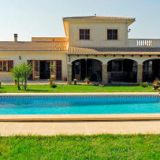 View information about Villa Can Duri 5 bedrooms, check availability and book online