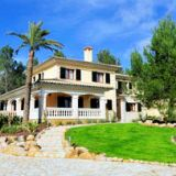View information about Villa Jacelia 4 bedrooms, check availability and book online